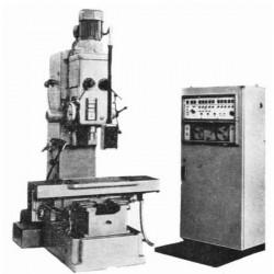 stanok-vertikalno-sverlilnij-s-chpu-2k135f2
