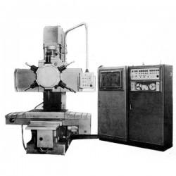 stanok-vertikalno-sverlilnij-s-revolvernoj-golovkoj-2r118f2